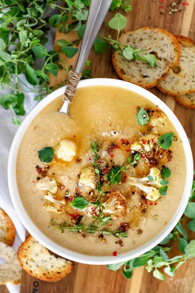 Oven roasted cauliflower soup
